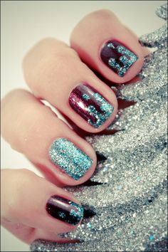 ESSENCE… True love & OPI Simmer &Shimmer with silver or glittery grey instead of teal. Silver Glitter Nails, Glitter Nail Art, Hot Nails, Hair And Nails, Gorgeous Nails, Pretty Nails, Nail Art Designs, Statement Nail, Nail Techniques