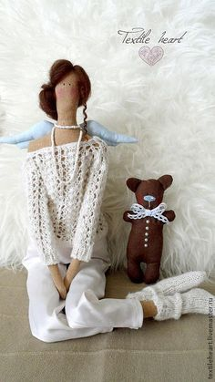 oh so pretty tilda doll. i LOVE her dainty sweater and chocolatey bear, too! Loose the wings! Fabric Dolls, Paper Dolls, Rag Dolls, Sewing Dolls, Little Doll, Waldorf Dolls, Soft Dolls, Soft Sculpture, Diy Doll