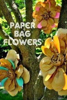 Paper bag crafts for kids and adults. 50+ paper bag crafts ideas, including puppets, flowers, scrap books, baskets, garlands and more.  Projects to make for Halloween, Christmas, Easter, Thanksgiving.
