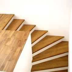 montaggio scala legno di cp parquet stupendo modern home ideas pinterest treppe. Black Bedroom Furniture Sets. Home Design Ideas