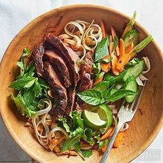 Thai Rice Noodle & Grilled Steak Salad How you slice a piece of meat is key to how tender it is, especially with tougher cuts. Thin slices cut against the grain (across rather than parallel to the muscle fibers) are more tender and easier to chew. Grilled Steak Salad, Grilled Steak Recipes, Grilled Meat, Grilling Recipes, Cooking Recipes, Grilled Steaks, Beef Salad, Grilling Tips, Asian Recipes