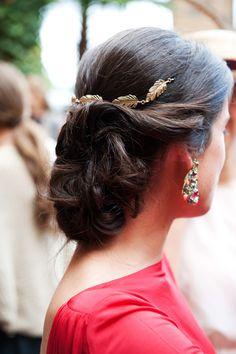 Invitadas que completan el look de una boda