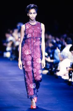 Comme des Garçons Spring 1991 Ready-to-Wear Fashion Show - Beverly Peele