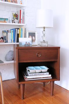 Jacqueline's Bright & Airy West Village Studio via apartment therapy.  great use of wood with white