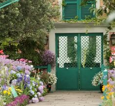 On weekends from now through June 24, Monet's Garden offers our Members the chance to skip straight past the bustle of the afternoon crowd and view our visiting masterworks an hour before we open the gates.