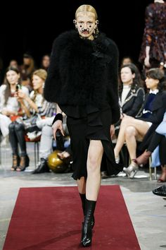 Aliz Menyhert (Viva)Givenchy Fall 2015 RTW Runway