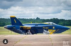 Blue Angels F-18's Boeing Aircraft, Fighter Aircraft, Fighter Jets, Us Navy Blue Angels, Civil Air Patrol, Wooden Car, Military Humor, Angel Pictures, Aviation Art