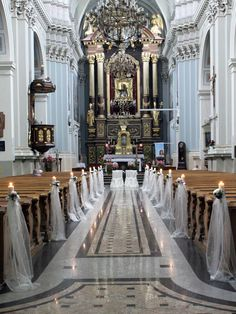 candles in church, wedding decorations