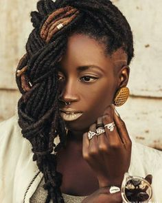 Se a gente for obomg Black IS Beautiful! Hair Locks, My Hair, Black Goddess, Afro Punk, African American Hairstyles, Dreadlocks, Black Power, African Beauty, Afro Hairstyles