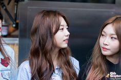 IDOL-GRAPHER :: [PHOTO] 160416 용산역 광장 - 아이오아이 by Girls Grapher