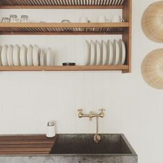 The most brilliant set up, dreamed up by @john_at_mjolk and @studiojunction #dryingrack #shaker #kitchen