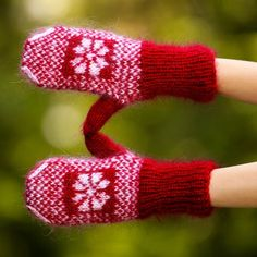 New Hand knit mohair mittens ICELANDIC soft RED fuzzy hand warmers SUPERTANYA #SuperTanya #Mittens