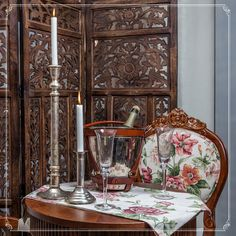 Romantic dinner for the two of you! Find out romantic objects that will transform your dining room into a Parisian restaurant!