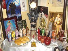 A personal Santa muerte altar.