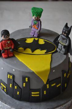 1000 Images About Batman Amp Robin Cakes On Pinterest