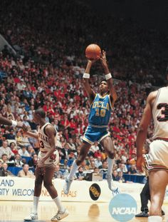 Rod Foster. My favorite PG for UCLA when I was a kid. Ucla Basketball, College Hoops, Ucla Bruins, Coaches, Athletes, The Fosters, Nba, Pony, Game