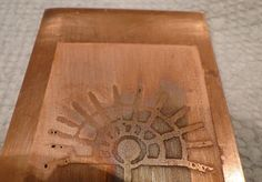 DIY, Free Tutorial: copper or brass etching using salt, citric acid and batteries
