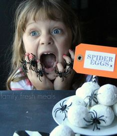 Fun Halloween Food Spider Egg Donuts Spider Eggs, Family Fresh Meals, Great Recipes, Easy Recipes, Quick Easy Meals, Best Part Of Me, Halloween Fun, Donuts, Sweet Treats