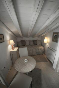 como os dije es una cama nido pero tambien sirve como sofa.