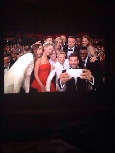 Oscar's 2014 selfie! Ellen had the best idea ever!!!