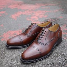 s a t u r d a y #richelieu #brown #fancy #shoes #men | #avenuelouise #brussels #mradamshoes