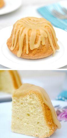 Cream Cheese Pound Cake with Strawberry Coulis | Cream Cheese Pound ...
