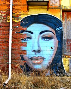 Mujer Ferrocarril - photo by Jon Lander 2014 - Kansas City, Westside - street art