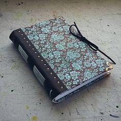 handmade book / notebook / bookbinding / chocolate / leather / paper / ardeas / Zápisník s koženým chrbtom A6 - čokoláda a tyrkys