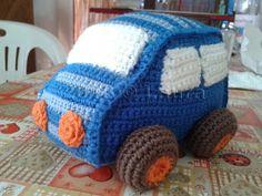 Laura fa: Automobilina amigurumi