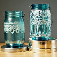 Puffy Paint + Mason Jars + Candles, for a Morrocan inspired candle holder. Love this idea! Mason Jar Lanterns, Blue Mason Jars, Painted Mason Jars, Bottles And Jars, Glass Jars, Candle Jars, Mason Jar Art, Candle Holders, Jar Crafts