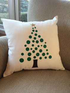Christmas tree pillow Christmas decoration by LiveInTheMomentGifts Christmas Cushions, Christmas Pillow Covers, Diy Pillow Covers, Diy Pillows, Pillow Cases, Christmas Projects, Christmas Crafts, Christmas Ornaments, Christmas Tree