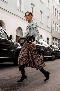 Blouse w/ Frills, Midi Skirt & Sock Overknees Womens Fashion For Work, Mode Style, Fashion Stylist, Trends, Midi Skirt, Winter Fashion, Fashion Looks, Style Fashion, Fashion Outfits