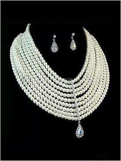 Pearl & diamond set