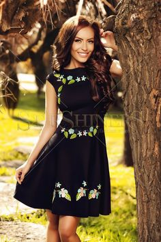 StarShinerS Brodata Cancun Black Dress Bare Shoulder Tops, Bohemian Look, Floral Print Skirt, Summer Essentials, Embroidery Dress, Colourful Outfits, Fall Collections, Fall Wardrobe, Beautiful Gowns