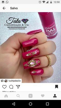 Nail Art magnetic designs for fascinating ladies. Fun Nails, Pretty Nails, Christmas Nails, Nail Colors, Acrylic Nails, Manicure, Nail Designs, Nail Art, Crystals