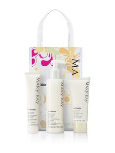 Our Fragrance-Free Satin Hands® Pampering Set will make you think you're a queen. Maybe you are. | Mary Kay