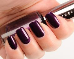 OMG I die. This color is amazing! Urban Decay Vice Nail Color