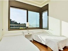 Another of the bedrooms you may find in one of our Sitges Hills' villas.