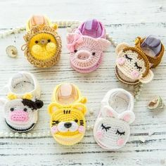 Crochet baby booties are among the most popular handcrafted projects they are cute and beautiful well there are 16 free booties to choose salvabrani – artofit – Artofit Crochet Pig, Crochet Baby Boots, Crochet Baby Sandals, Booties Crochet, Baby Girl Crochet, Crochet Baby Clothes, Crochet Shoes, Crochet Slippers, Cute Crochet
