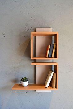 blom Bookshelf Design, Wall Shelves Design, Unique Wall Shelves, Modern Bookshelf, Wall Shelf Decor, Wood Wall Shelf, Home Decor Furniture, Furniture Decor, Furniture Design