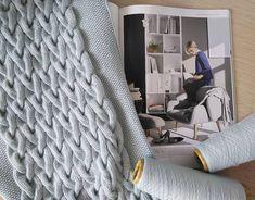 В активном рабочем процессе ☁ . ⤵ 100% мягчайший итальянский кашемир  #loropiano #lpcashmere ⤵ 100% сделано с любовью ⤵ Шарфы на заказ.… Easy Knitting, Merino Wool Blanket, Couture Facile