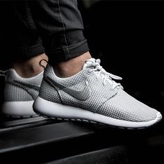 69d902e4bd7853 Nike roshe run shoes for women and mens runs hot sale. Browse a wide range  of styles from cheap nike roshe run shoes store.