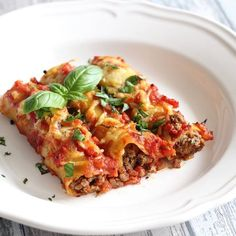 Cannelloni filled with Minced Meat - Mariëlle in the Kitchen Healthy Pasta Recipes, Seafood Recipes, Dinner Recipes, Skinny Pasta, Scallop Recipes, Pavlova, Easy Cooking, Cooking Ideas, Food Inspiration