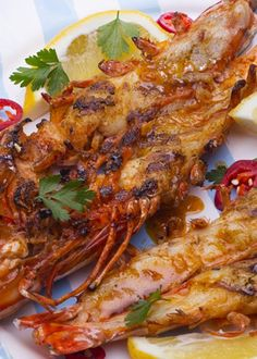 Camarão grelhado com alho