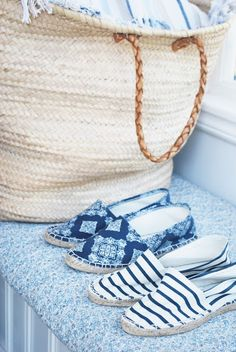 french market bag and espadrilles.my idea of relaxing is wearing espadrilles Summer Of Love, Summer Time, Summer Blues, Casual Summer, Summer Colors, Summer Stripes, Beach Casual, Summer Breeze, Style Summer