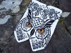 Knitting Patterns Mittens Ravelry: BIG Owl pattern by Natalia Moreva Crochet Mittens, Mittens Pattern, Knitted Gloves, Knit Or Crochet, Fair Isle Knitting, Knitting Socks, Hand Knitting, Owl Patterns, Knitting Patterns