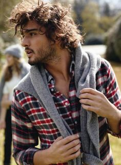 Marlon Teixeira. He is so beautiful >> look at that hair! swoon