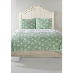 Panama Jack Green Pj  P Bch Fq Qlt Multi ($160) ❤ liked on Polyvore featuring home, bed & bath, bedding, green, twin bedding, full/queen quilt set, king size bedding, king pillow shams and coastal themed bedding