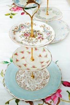 3 Tier Vintage Cake Stand - The Pale Blue & Pink Roses Vintage Cakestand