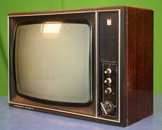 продаю телевизор Рекорд 304 - Чебоксары И такой тоже был.